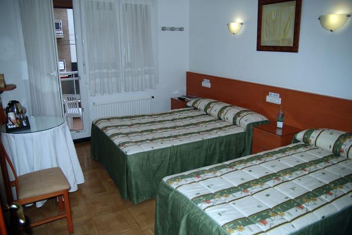 Private rooms in the center. - Vitoria-Gasteiz - Rumah