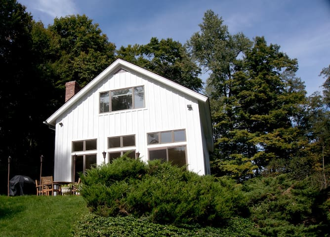 Modern Hudson Valley Farm House - Amenia - บ้าน