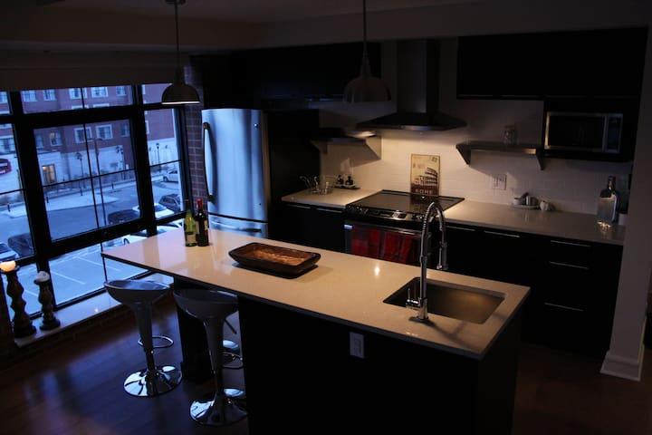 2bd/2th - Bright, Urban loft Condo - Ottawa - Byt