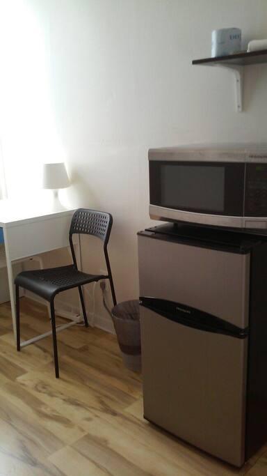 Microwave, desk, refridgerator