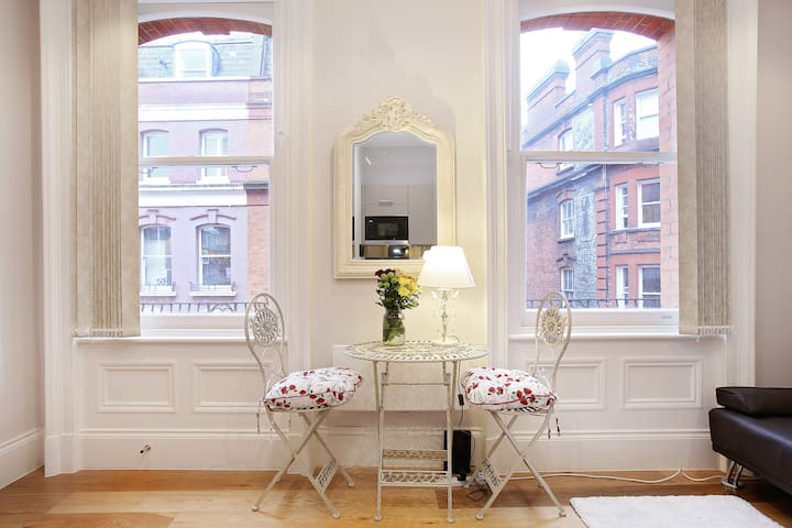 CHIC STAY IN THE HEART OF LONDON - Londen - Appartement
