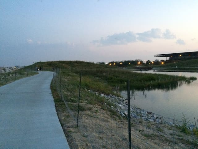 Need time for recreation? Enjoy a nice jog around Chicago's newly opened Northerly Island.