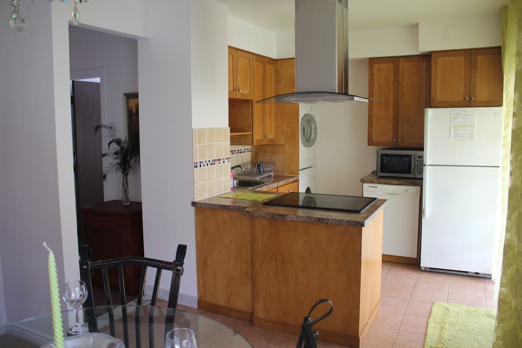 Full equipped kitchen, to share whit others  2 boys roomates.