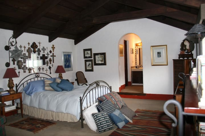 Artsy house in Antigua Guatemala