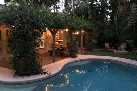 Perfect Location Cozy Pool Home - Port Orange - Casa