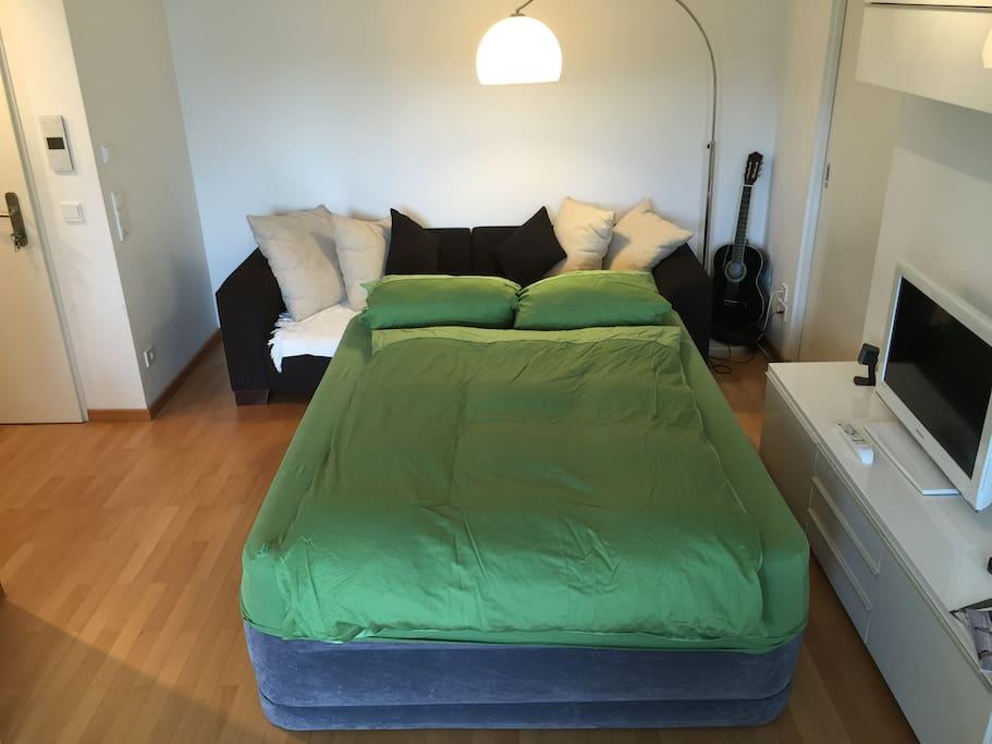 Komfortables 1,5 x 2m Luftbett
