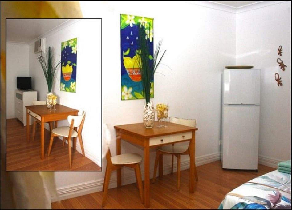 Guestroom dining area.