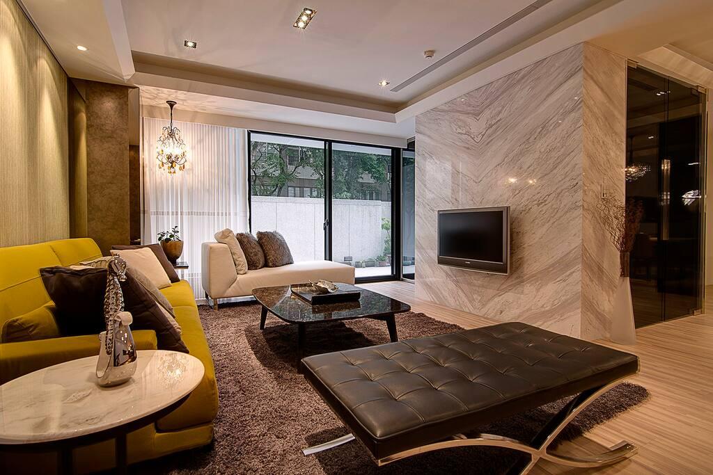 舒暢寬廣的客廳