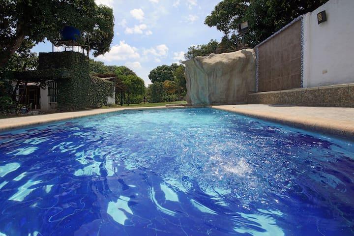 Hermosa casa de descanso - Rozo Palmira  - Huis