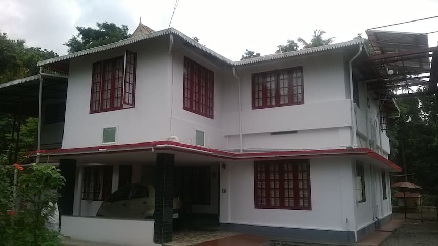 lead homestay - Thrissur - Flat