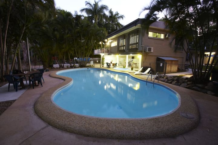 House with Pool in Arcadia - Magnetic Island