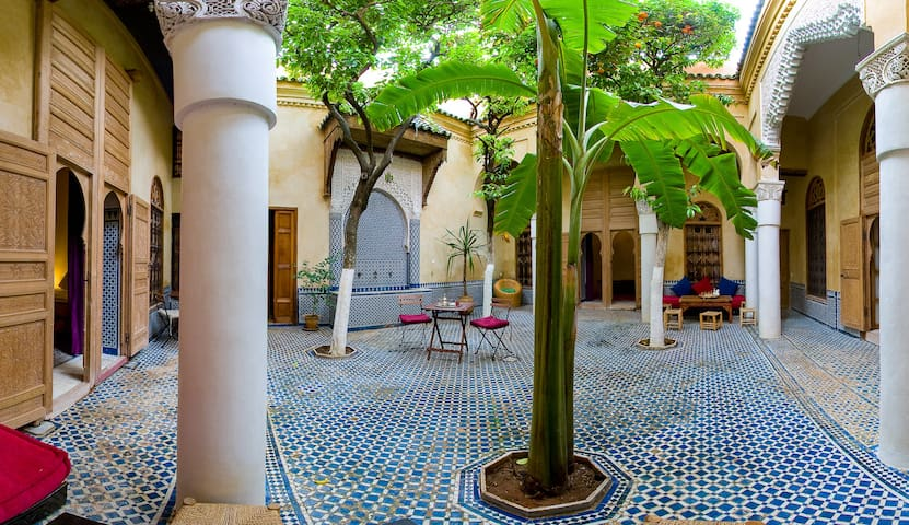 Riad La maison d'à côté - Chambre - Meknes - Aamiaismajoitus