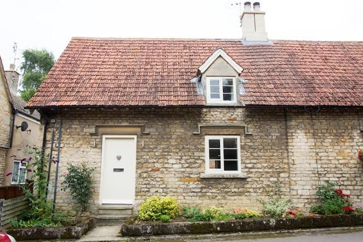 Stunning Romantic Cottage - Irnham