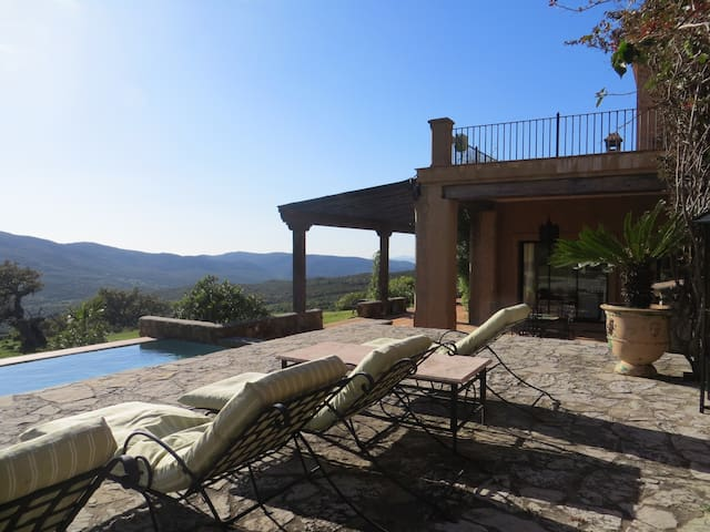 Alisoso, a luxurious spanish villa