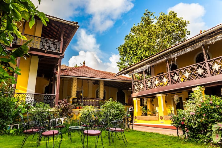 Heritage luxe Suite in Casa Menezes - Goa Velha - Bed & Breakfast