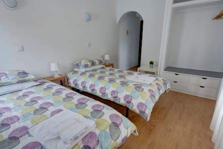 Room | Balcony with VillageView | Private bathroom - Marinha Grande - Bed & Breakfast