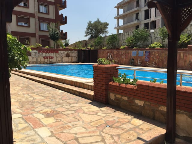 Kuşadası'nda havuzlu daire - Kuşadası - Apartamento