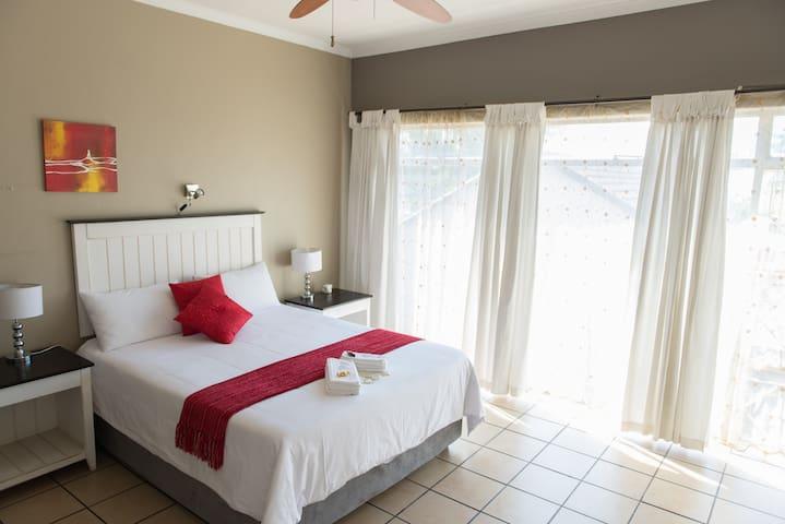 Alberton-Tulbagh Guesthouse - Alberton - Bed & Breakfast