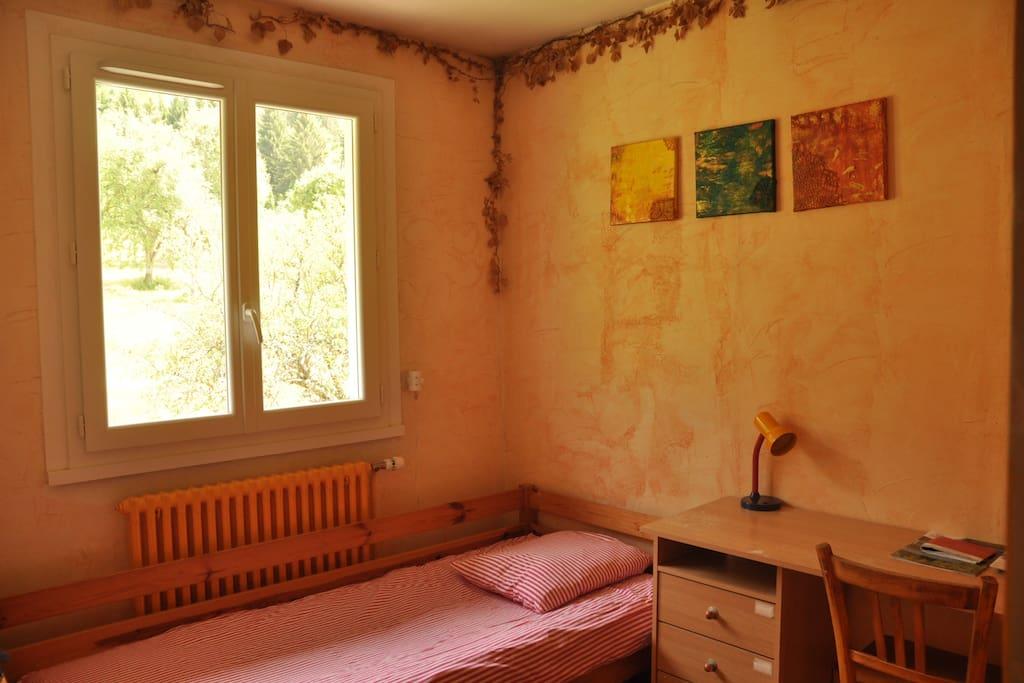 Chambre à louer, avec vue plein Est, sur les vergers