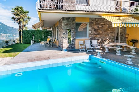 Villa with Private Pool in Tronzano - Tronzano Lago Maggiore