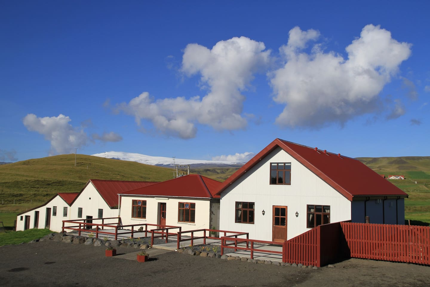 Guesthouse with Eyjafjallajökull glacier in background