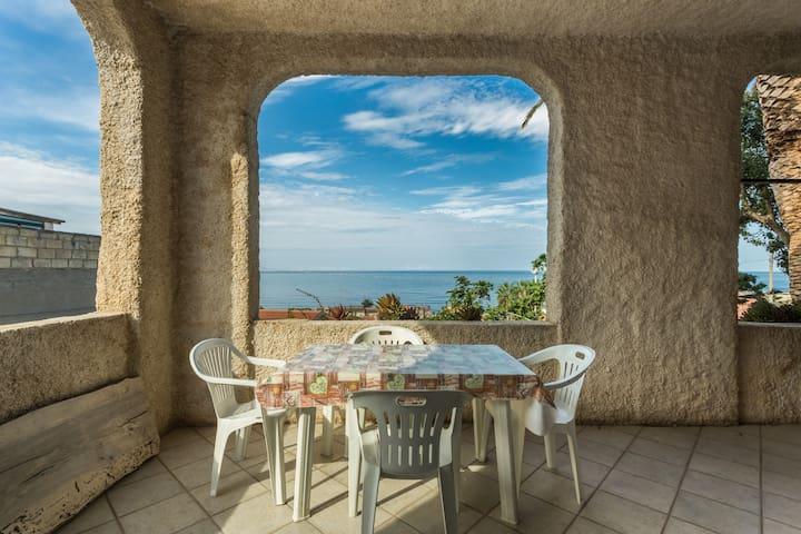 Sardegna vista mare