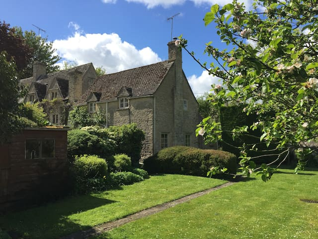 Spring Cottage, Winson - Cirencester - House