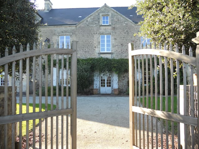 Maison Saint Michel CHAMBRE INDIANA - Tamerville - Bed & Breakfast