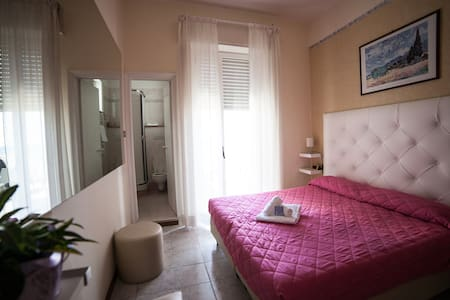 camera privata sul mare zona fiera - Rimini - Bed & Breakfast