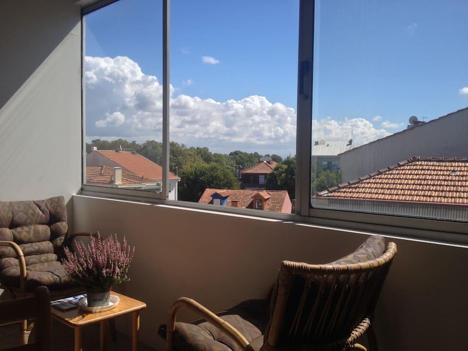 closed balcony - backyards... for chill!