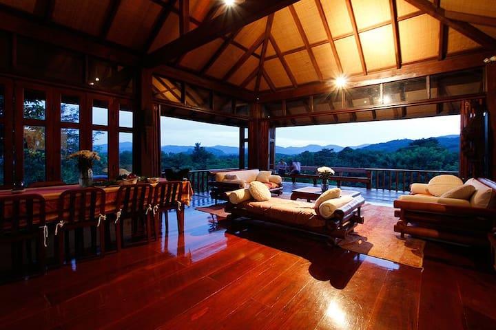 Doi Isara: Grand Villa in ChiangRai