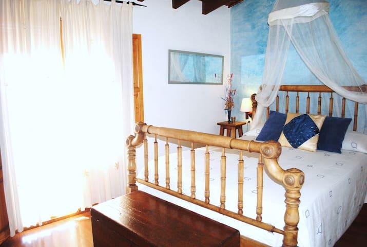 Bonita casa rural soleada - Sot de Ferrer - Casa