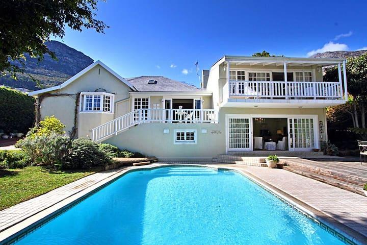 Darling Villa  is spacious stylish  - Kapstaden - Hus
