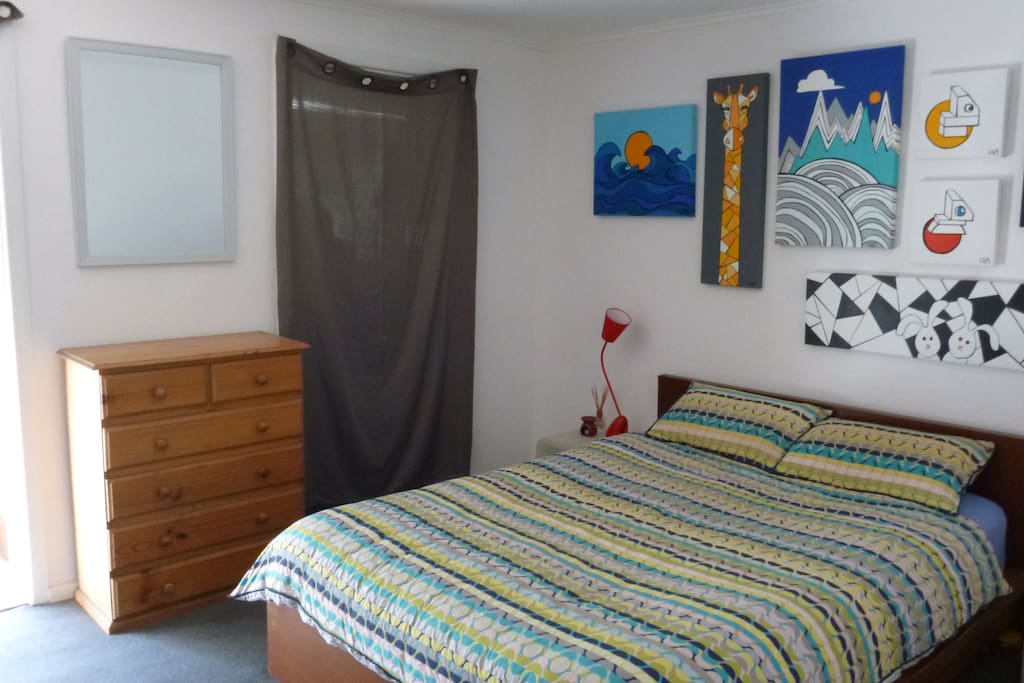 Bedroom: roomy and comfortable