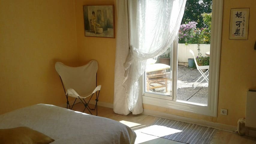 Lumineuse chambre sur terrasse sdb - Valence - Appartement