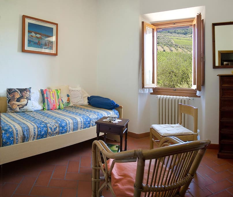 This room may be used as third twin-bedroom (2 single-beds) or as a livingroom  - Questa stanza può essere adibita a terza camera doppia con 2 lettini o a salotto