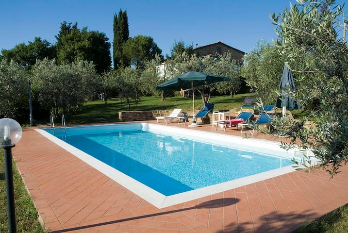 PRIVATE SWIMMINGPOOL only for you!! Sleep 6 people