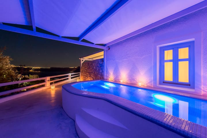 Deluxe Suite, Private Plunge Pool, Caldera View