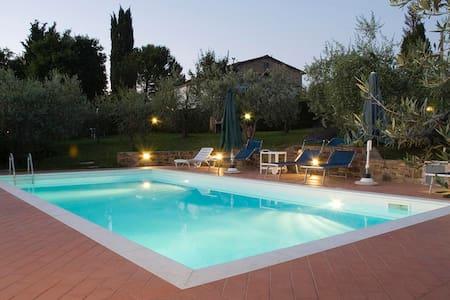 In Chianti, really PRIVATE SW-POOL! - San Casciano in Val di pesa - Daire