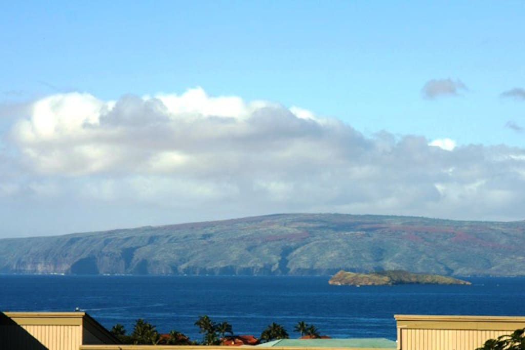 See Molokini Crater and The 'Forbidden Isle' Kaho`olawe From Your Lanai - Ekolu Village 607