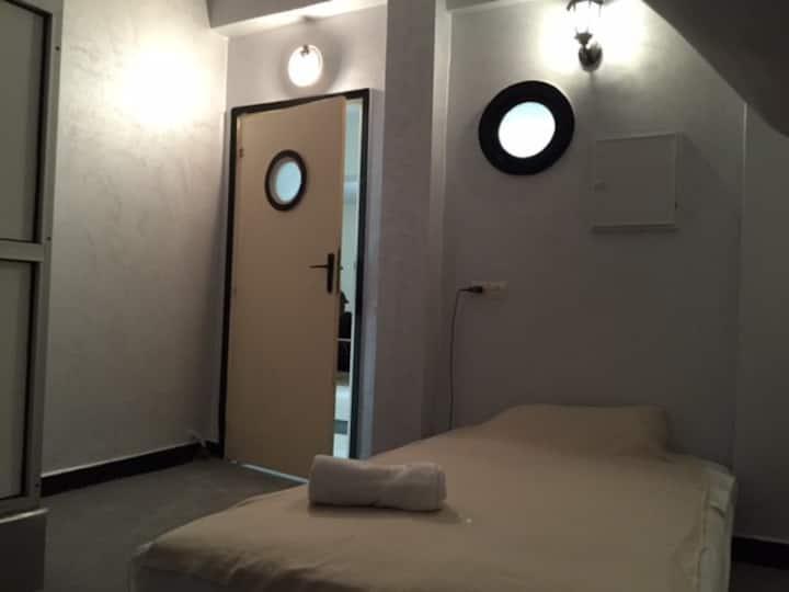 La chambre n°6 du carré Français