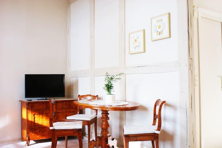 Fernsehecke und gemütliche Sitzecke