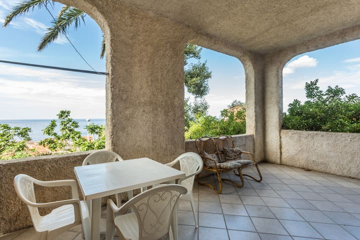 Appartamento con veranda vista mare - S'Archittu - Appartement