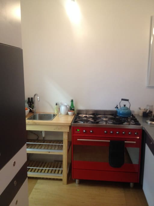 SMEG gas hob with full convection oven