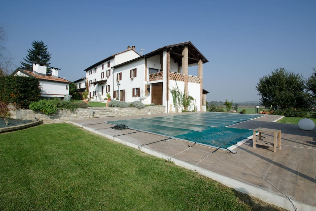 Swimming pool & the house