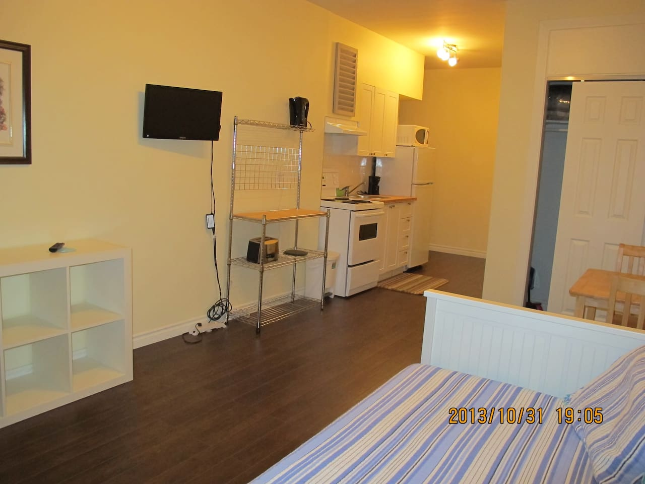 Comfortable studio with your own kitchen and bathroom.