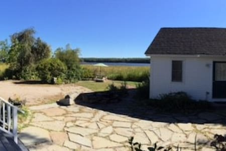 Studio cottage on river in Bath - Bath - Huis