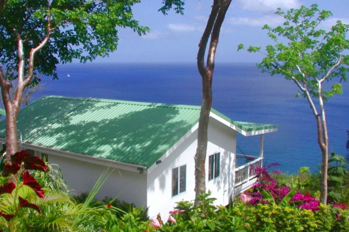 AVOCADO COTTAGE @ NATURE'S PARADISE - CARIBBEAN SEA VIEWS