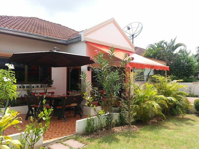 2 Double bedroom Villa with Garden - Udon Thani - บังกะโล