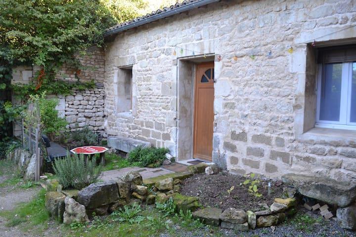 Futuroscope Maison avec cour - Chasseneuil-du-Poitou - Ev